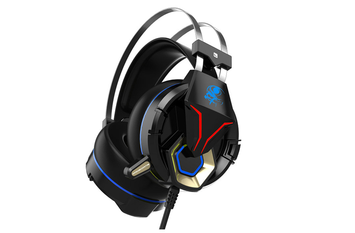 G5 gaming headphone with LED light
